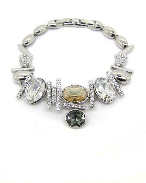 Stylish jewelry collection by Glitz Tresors
