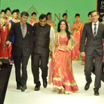 Actress Amrita Rao walks for Agni Jewellers at IIJW 2012