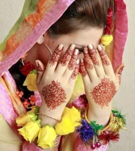 Colorful & Beautiful Eid hand Mehndi Designs 2012 for Girls (2)
