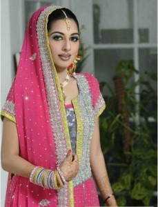 Stylish Multi Color Mehndi Dresses Collection For Pakistani Bridal (7)