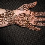 Latest and Beautiful Arabic Mahndi Designs Collection 2012 For Girls (4)
