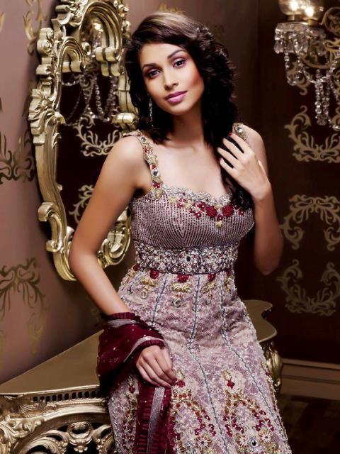 Maharani Latest Wedding outfits 2012-2013 For Brides 006