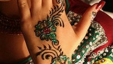 glitter henna mehndi for indian pakistani girls 2012