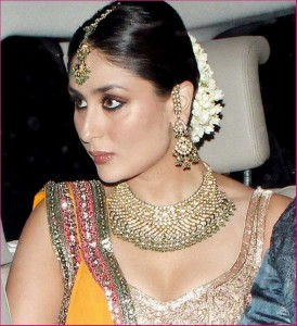 Manish Malhotra And Ritu Kumar At War Over Kareena Kapoor Wedding Dress 001