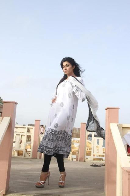 Revamp Latest Winter Dresses 2012-13 For Ladies 001