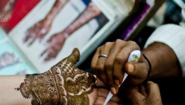 atest Pakistani Henna Mehndi Designs 2013 For Ladies