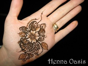 Latest Beautiful Valentines Day Mehndi Collection 2013 For Girls 15