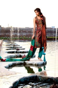 Latest Bridal dresses Maharani Collection 2013 for women by Monica Hout Couture 0011