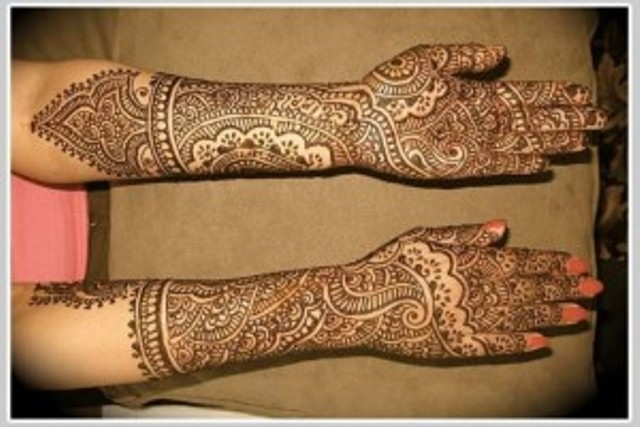 Latest Beautiful Hand Mehndi Designs 2013-2014 For Bridal