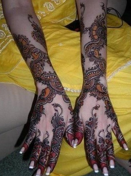 Latest Designs Bridal Mehndi For Hands