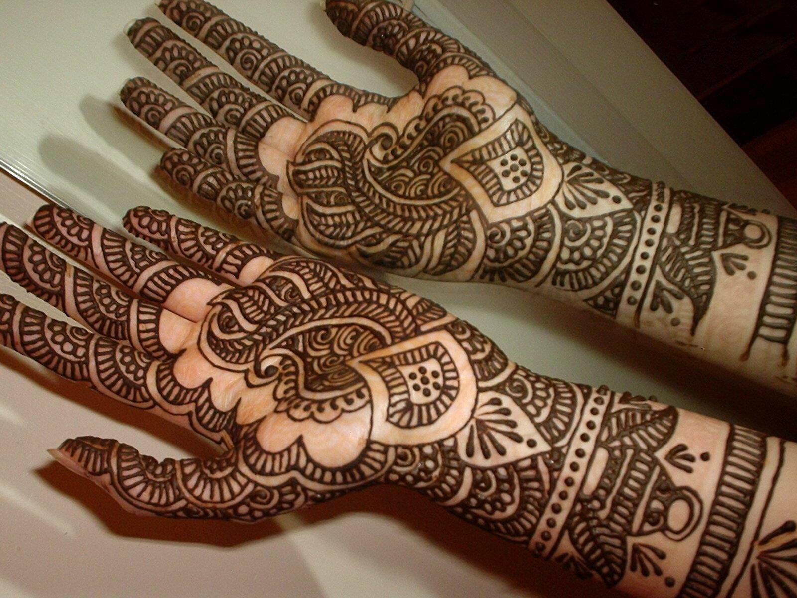 Latest Baridal Mehndi Collection 2013 For Women 001
