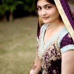 Latest-Pakistani-Beautiful-Bridal-Mehndi-Dresses - 4