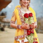 Latest-Pakistani-Beautiful-Bridal-Mehndi-Dresses - 5