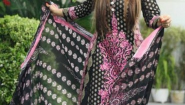 Lawn collection Embroidered Deeba 2013 by Shariq Textile