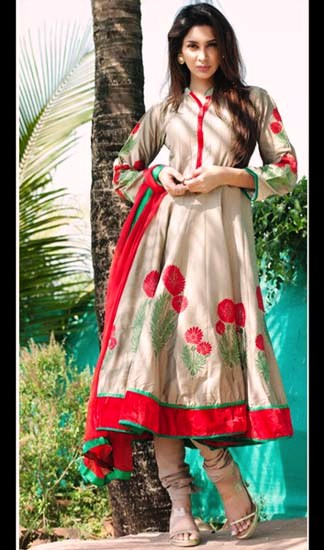 Wear Kaneesha Collection 2013 For Women
