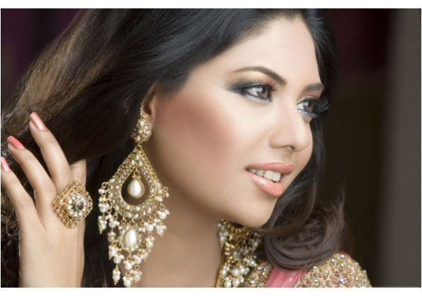 Latest Glamorous Pakistani Top Model Suneeta Marshal