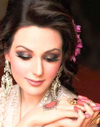 Latest Bridal Make up Ideas 2013 For Bridals 004