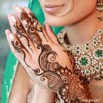 Stylsih Eid Mehndi Design 2013 For Girls 003