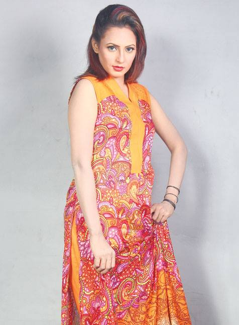 Popular Exclusive Lawn Dresses Collection 2013 001