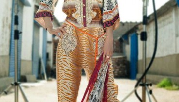 Reeva Designer Embroidered Dresses Collection 2013 by Shariq 001