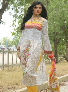 Popular Classic Lawn Latest Collection 2013 001