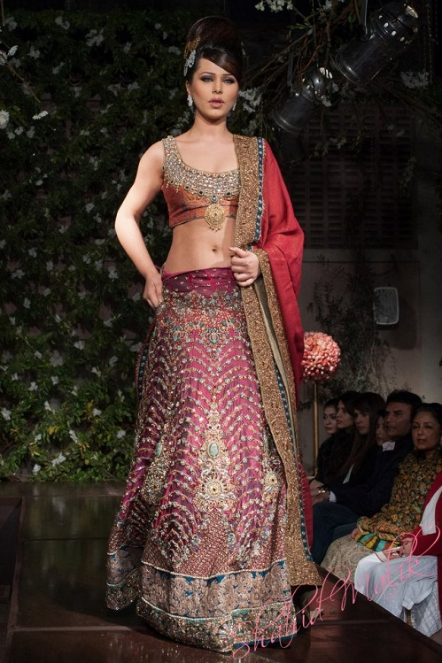 Naureen Jamal Bridal Fancy Lehnga Collection 2013-14 5