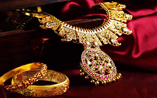 Latest Indian Bridal Beautiful Jewelry Sets By Kalyan Jewelers (5)
