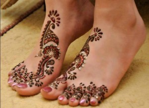 Latest Henna Foot Mehndi Designs For Girls 2014 002