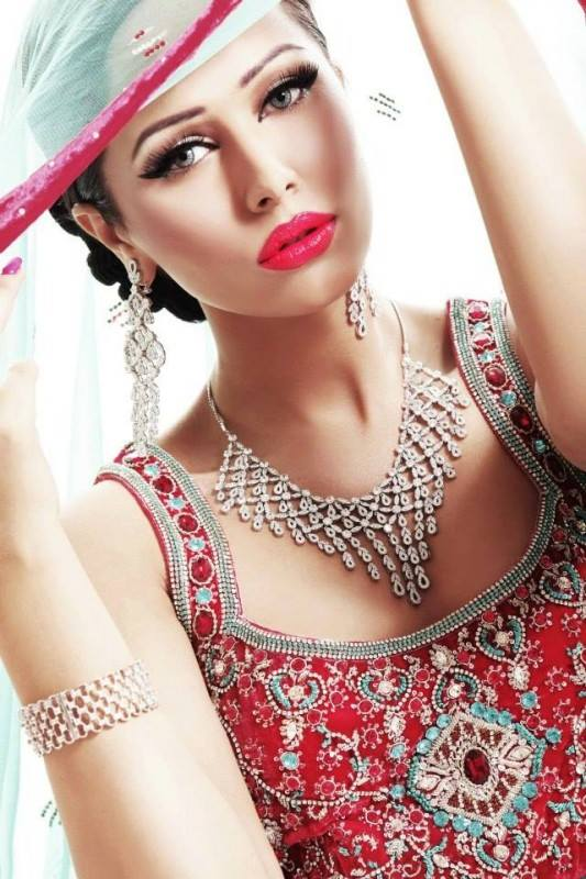Pakistani & Indian Wedding Bridal Couture 2014-2015 3