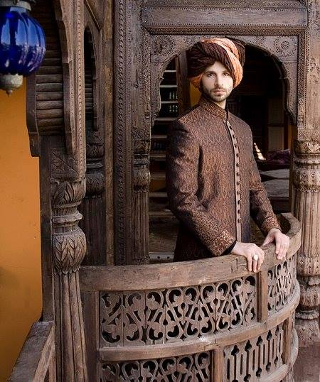 Groom Sherwani Wedding Dresses by Designer Amir Adnan (3)