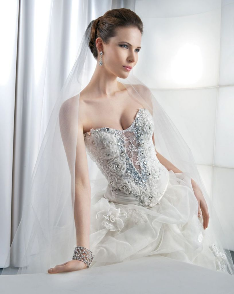 Cyprus Trendy Gowns For Young Girls (6)