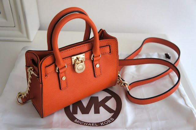 Elegant Set Of Hand Carriers By MK (2)