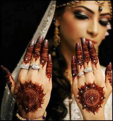 Engagement Mehndi Designs 2014 For Indian + Arabic + Pakistani Females (3)