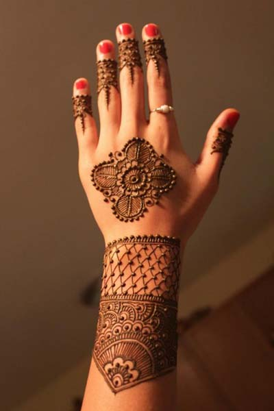 Lovely Henna Concepts For Girls (1)