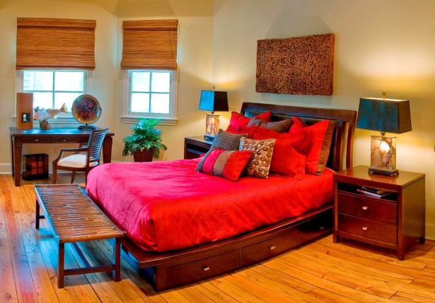 Shining Red Colour Combination For Master Bedroom (5)