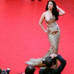 Very Best Positions of Aishwarya Rai At Cannes 2014 (1)