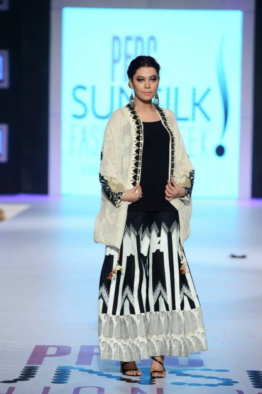 Summer Months Desirable Variety at PFDC 2014 By Maria. B (6)