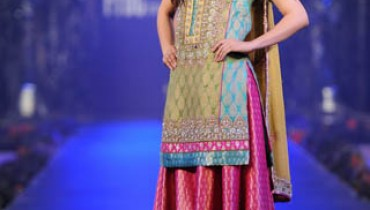 Zeba ALi Lovely Popular and Pleasant Pics Collection (4)