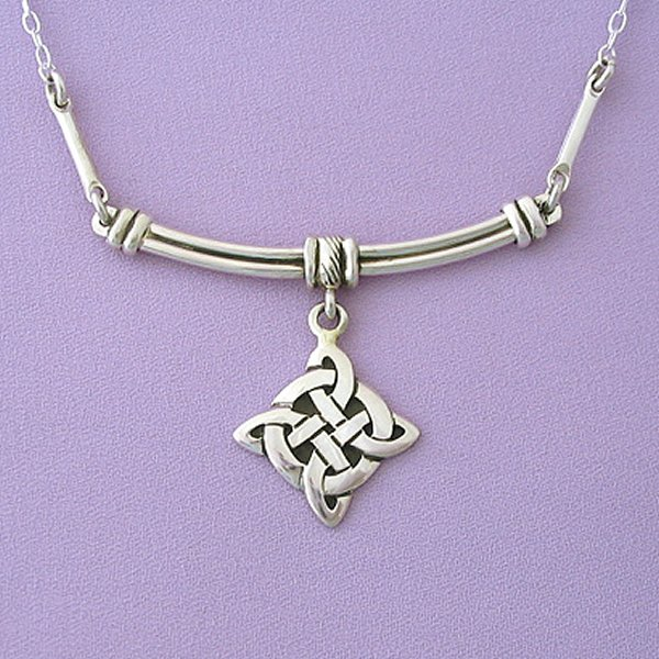 Best Design Of Celtic Jewelry For Babes (7)