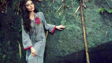 Satrangi Pret Eid Collection 2014 For Girls By Bonanza 8