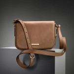 Hugo Boss Reliable Side Pouches Choice for Girls (3)