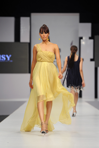 Stylish HSY Outfits Gallery at PFDC Sunsilk Fashion Week (5)