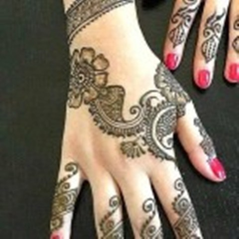 Wonderful Style Eid-Ul-Azha Mehndi Selection 2014 For Females (2)