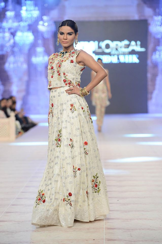 Sania Maskatiya Modern PFDC L'Oreal Bridal Week Garments for Ladies (2)