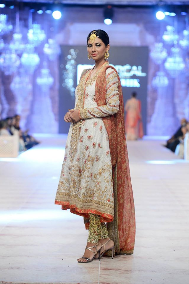 Sania Maskatiya Modern PFDC L'Oreal Bridal Week Garments for Ladies (5)