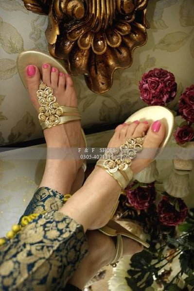 Ladies Footwear Gallery 2014 By Farah and Fatima (2)