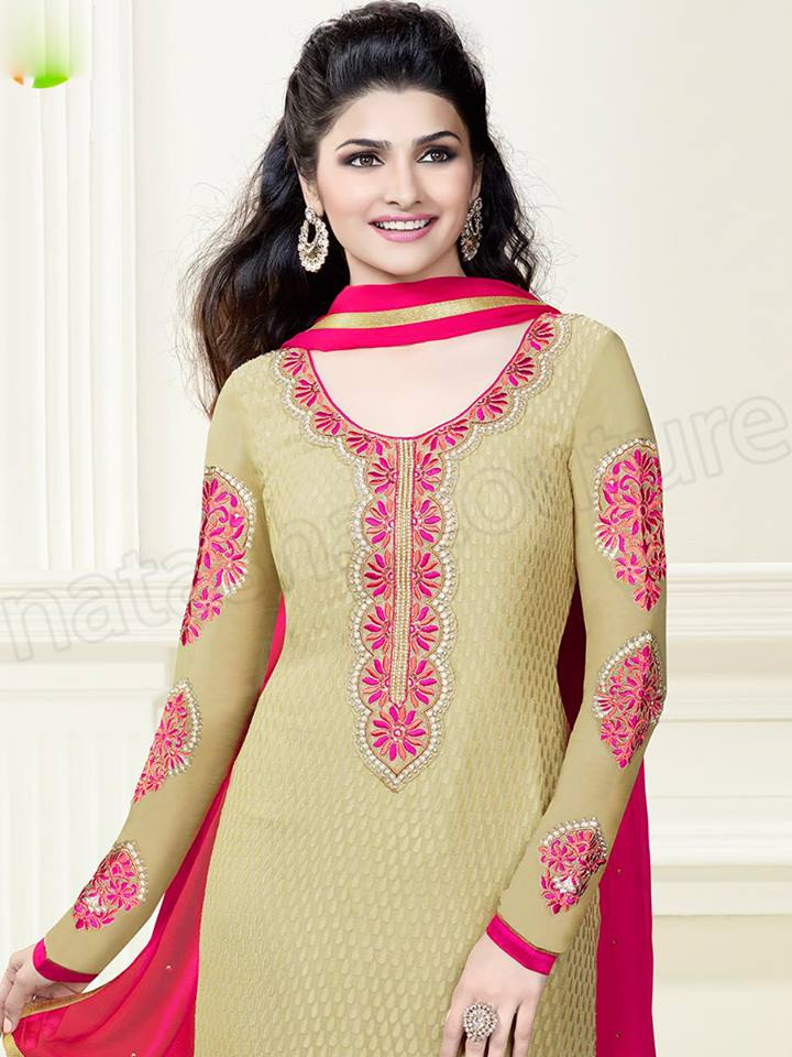 Prachi Desai's Modern Photos In Natasha Couture Outfits 2014-15 (4)