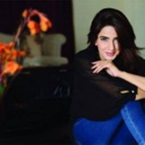 Saba Qamar Latest Gorgeous Pictures 2015 (2)
