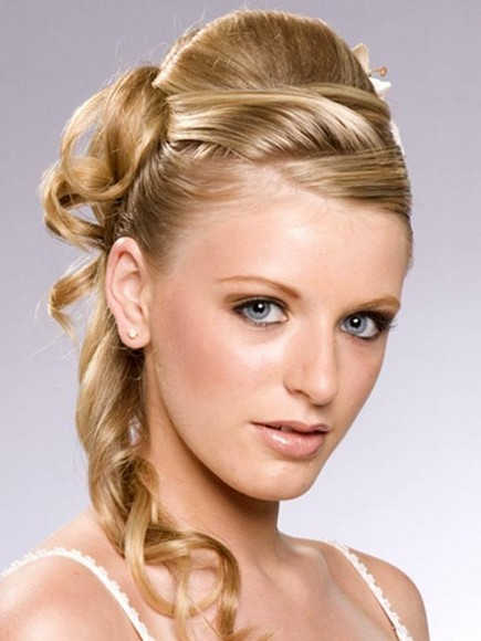 New Year Occasion Long Hair Style For Ladies (7)