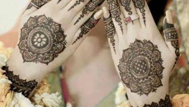 Simple Mehndi Designs for Hands 3